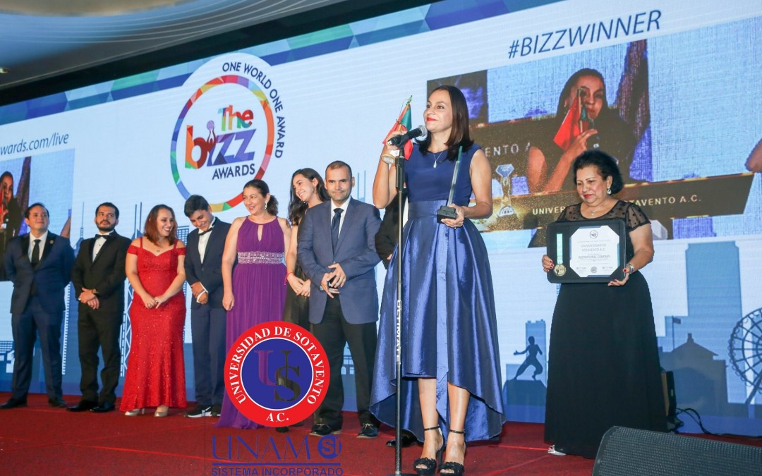 ¡RECIBE UNIVERSIDAD DE SOTAVENTO, EN HONG KONG, CHINA; EL PREMIO DIAMANTE The BIZZ Awards, POR SUS ALTOS ESTÁNDARES EDUCATIVOS Y EMPRESARIALES; QUE ENTREGA LA CONFEDERACIÓN MUNDIAL DE NEGOCIOS ( WORLDCOB – World Confederation of Businesses, POR SUS SIGLAS EN INGLÉS)